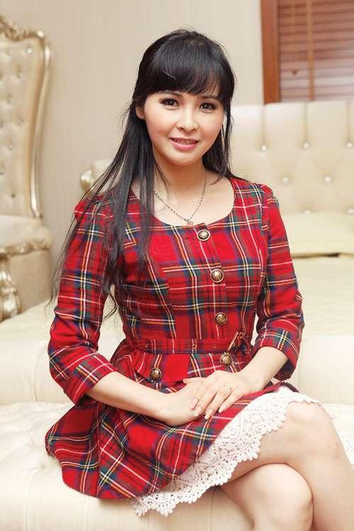 BST phụ kiện 'khiêm tốn' của ca sĩ Trang Nhung